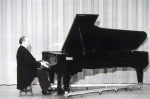 Photo de Paul Doyon au piano