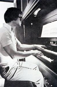 Photo de Leif Martinussen à l'orgue