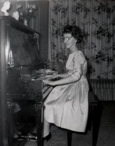 Nicole au piano